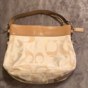 COACH SIGNATURE ZOE Handbag
